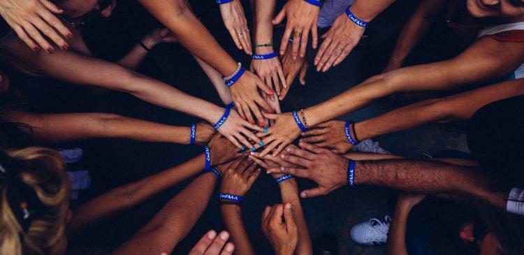 como participar de comunidades